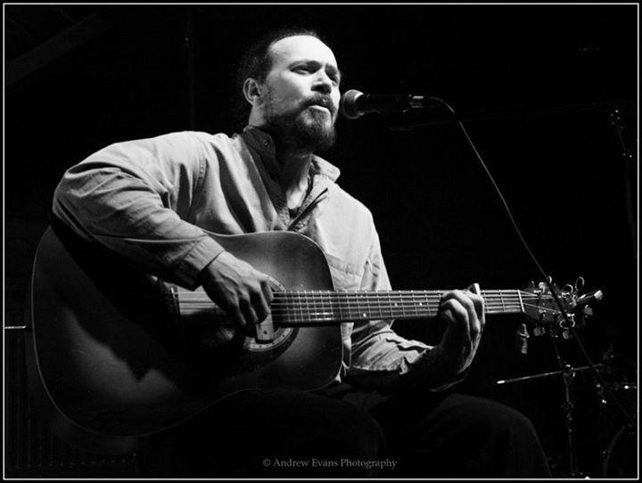 Chris the Bard @ the Roadhouse. © Ian Bourne 2014